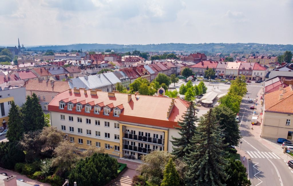 Wschodnia strona budynku Urzędu w Jaśle