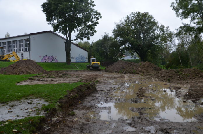 boisko przy szkole w Sobniowie