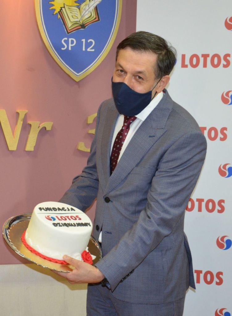 tort dla Fundacji LOTOS