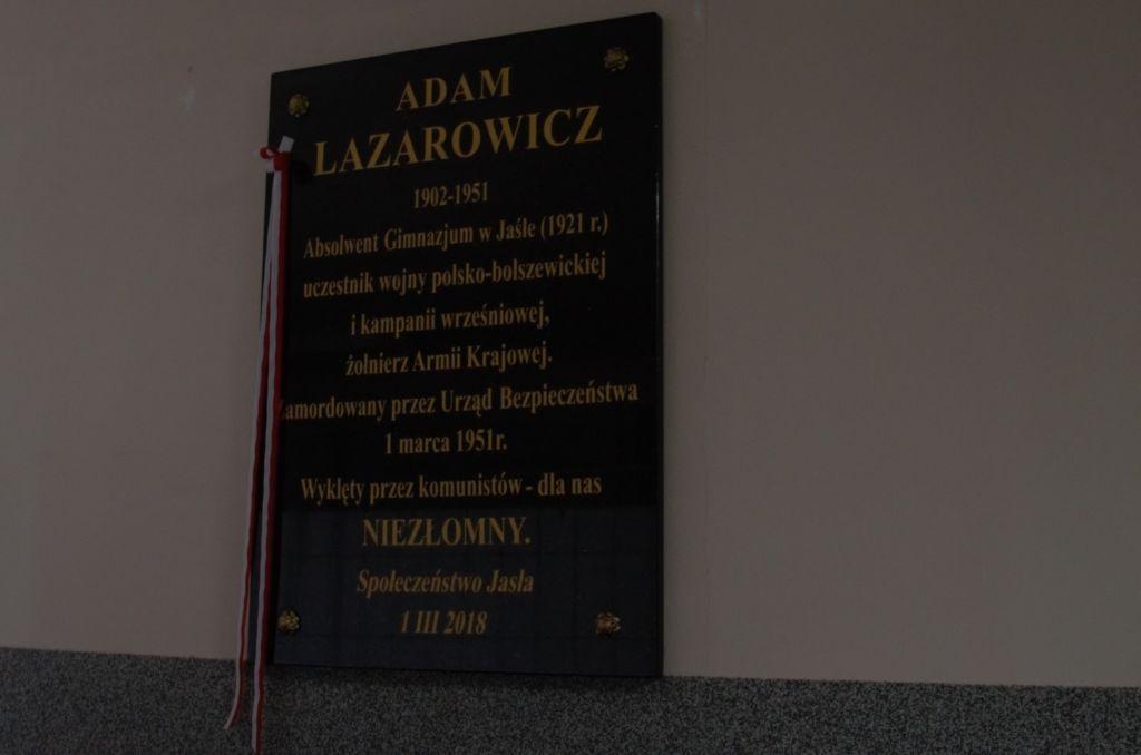 Tablica Adama Lazarowicza